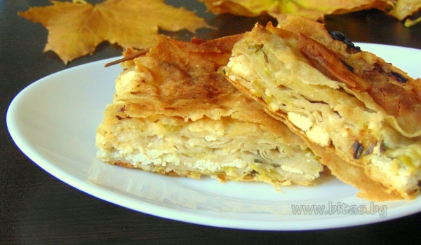 Layered banitsa with leeks